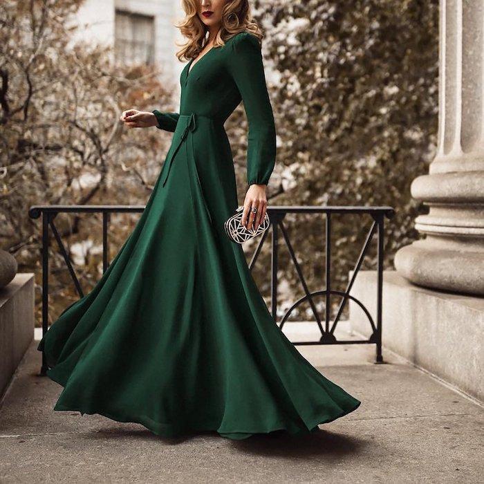 Idée tenue de mariage hiver pour invitée, robe longue verte a manche longue, robe noire manche longue, robe à porter à une soirée