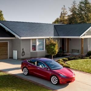 Tesla annonce l'arrivée de son Solar Roof 3.0