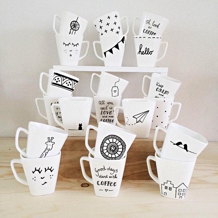 idée bricolage pour personnaliser ses mugs blancs, dessiner sur des tasses blanches au feutre à porcelaine