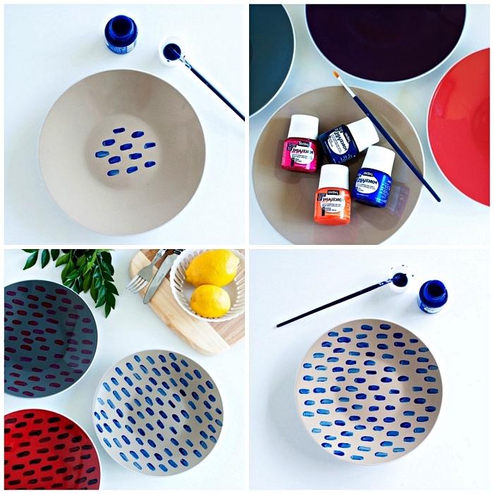 assiettes décorées avec des touches de peinture à porcelaine bleue, assiettes personnalisées à design moderne