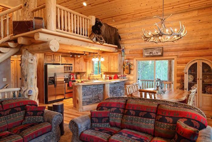 Bois flotté petit chalet en bois, decoration montagne, déco chambre cocooning, lustre chasse