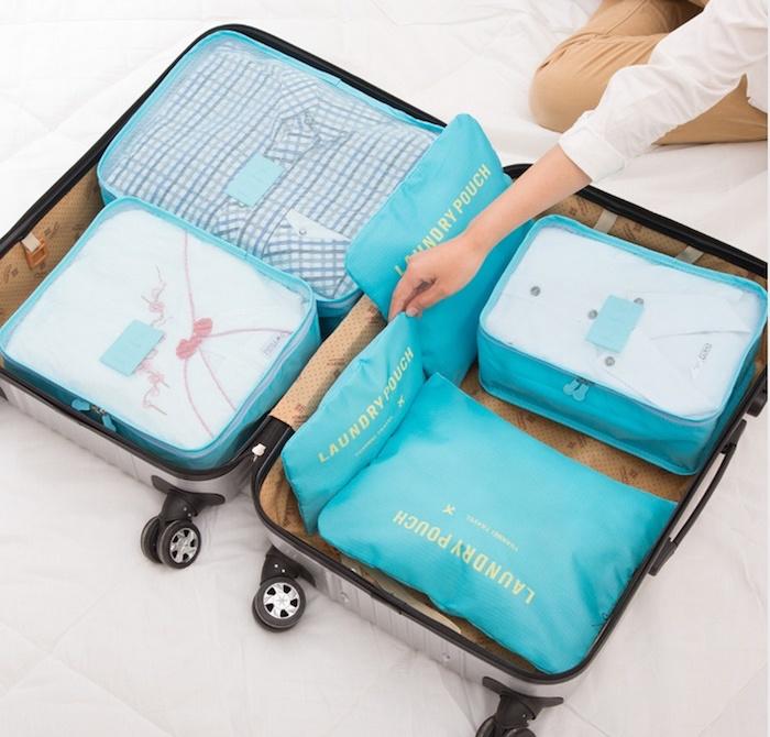 Valise et careaux pour rangement, idée cadeau anniversaire, présent à offrir à un voyageur