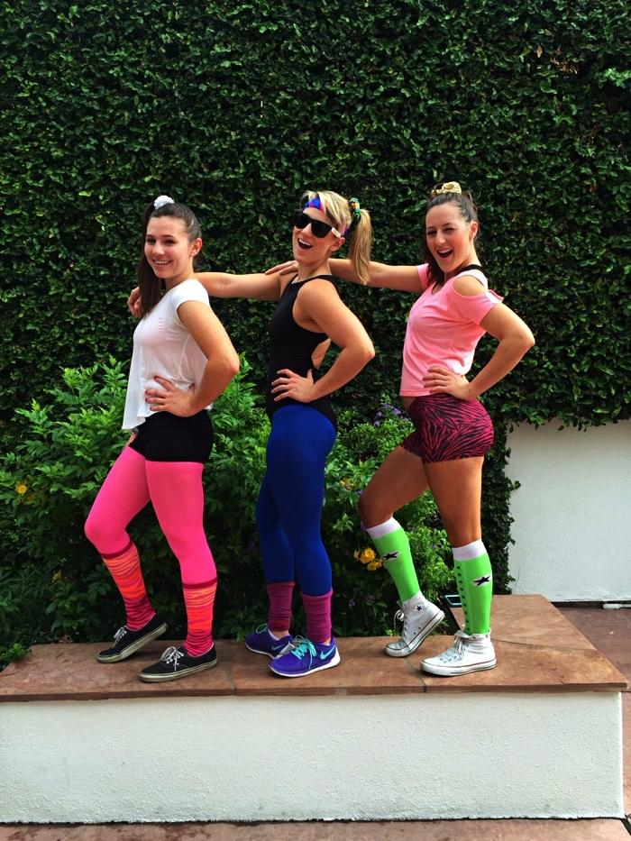 tenue de sport femme des années 80, déguisement tenue d'aérobic pour femme inspirée de la mode des années 80