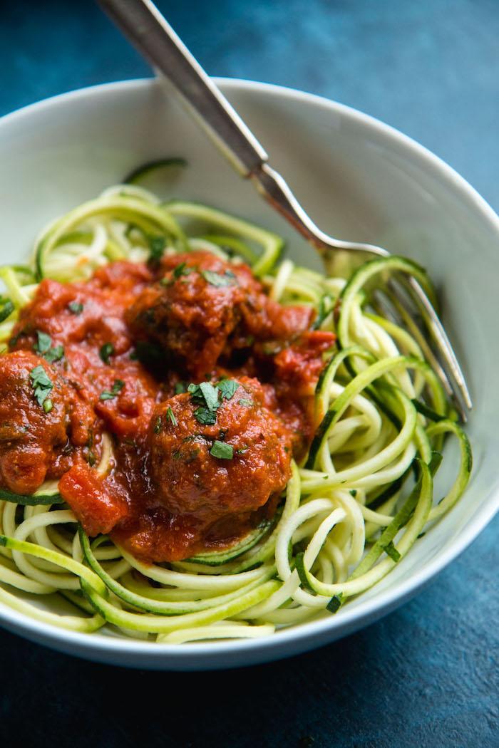 recette spaghetti courgette aux boules de viande à la sauce tomate façon bolognaise, recette facile et rapide pour le soir