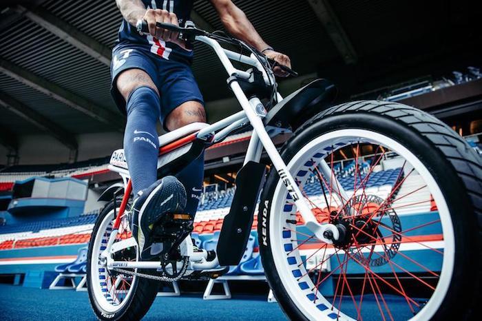 Le PSG s'associe à SUPER73 pour lancer un vélo électrique en série limitée PSG x SUPER73-Z