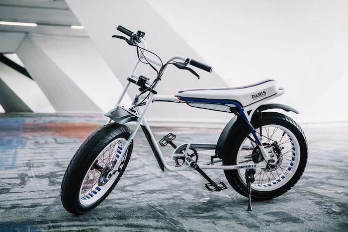 Le Paris Saint Germain lance le vélo électrique PSG x SUPER73-Z en série limitée pour les 50 ans du club