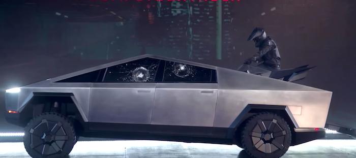 Un quad Tesla fait une apparition lors de la présentation du SUV électrique Cybertruck