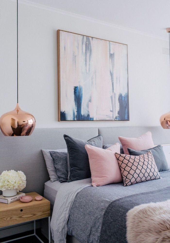 Gris, rose et bleu décoration chambre à coucher, peinture grise association, idée aménagement de chambre