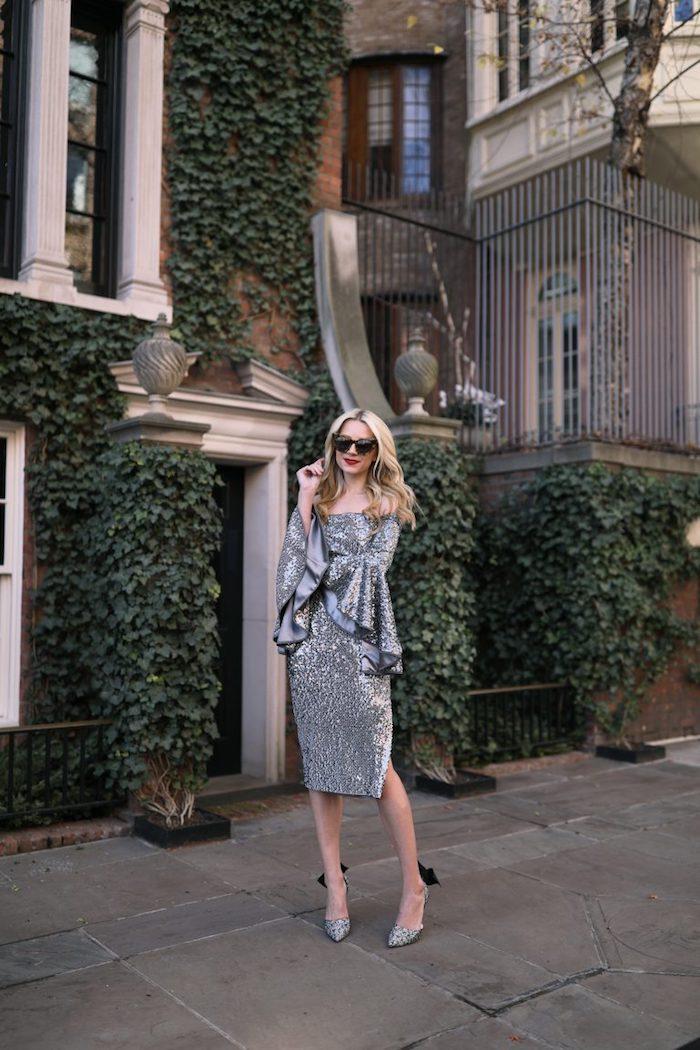 Robe en paillettes argentée inspiration tenue de noel, idée comment s'habiller en hiver pour les fêtes