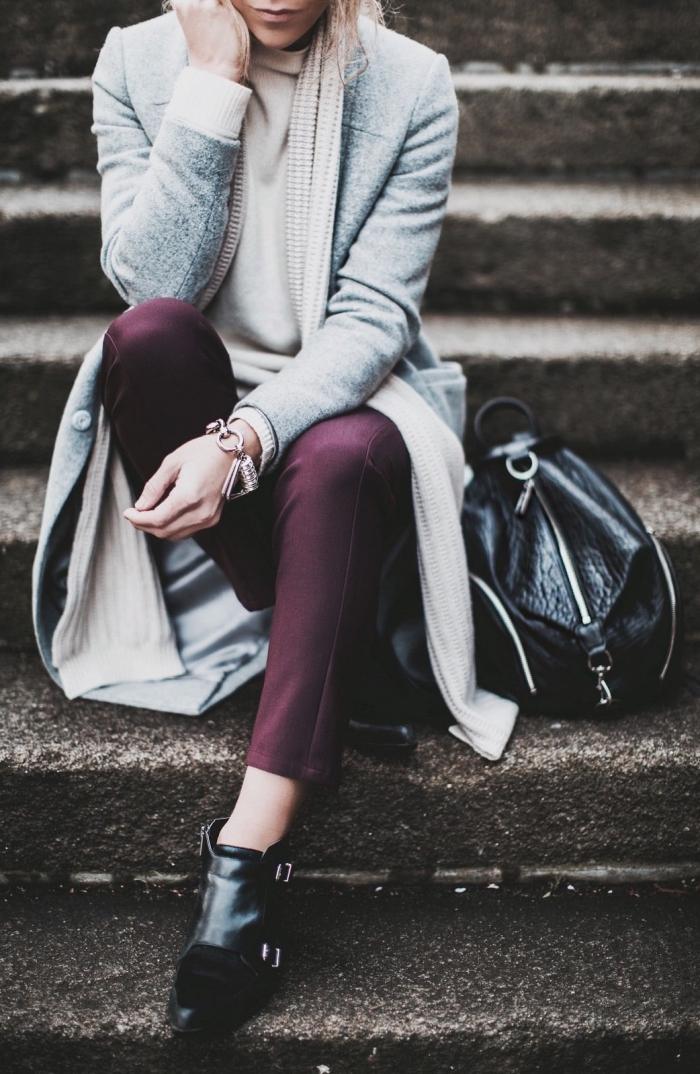 idée tenue hiver femme en couleurs tendances 2019, modèle de pantalon longueur cheville en couleur pourpre