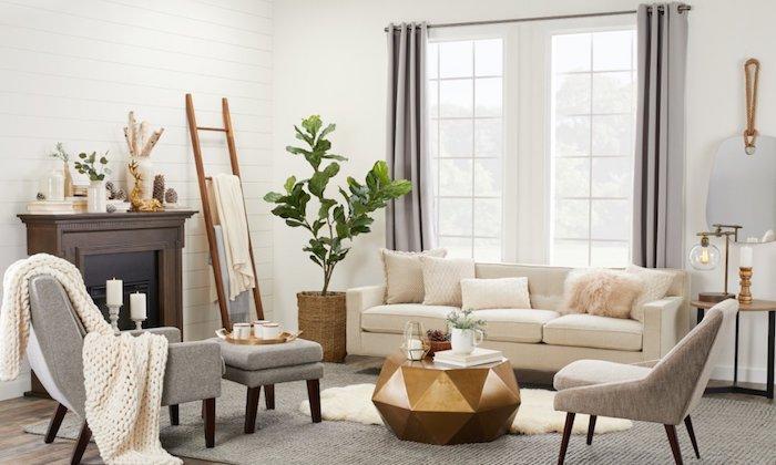 Échelle de rangement dans un salon bien aménagé, canapé blanche, fauteuil gris, table basse hexagone, chambre rose et gris, sophistiqué décoration design