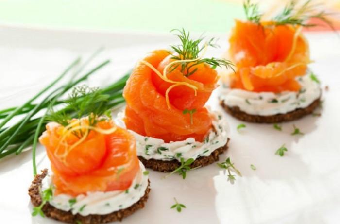 Ronde canapé au saumon, apero dinatoire original, toast de noël comment faire le meilleur