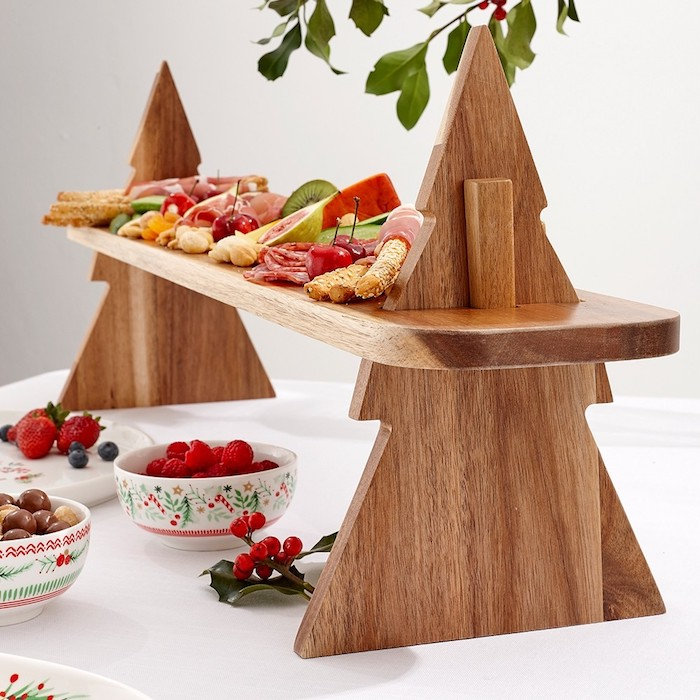 Sapin de Noël en bois, plancher aperitif dinatoire noel sans viande, idee apero noel original