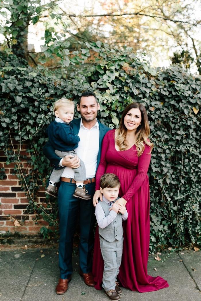 Robe longue manche longue à couleur bordeaux pour noël, famille tenue de fete, comment être classe, femme élégante