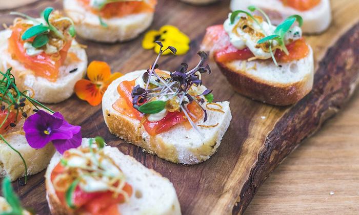 Fleurs comestibles toast apéritif, apero dinatoire noel idée originale et gourmande