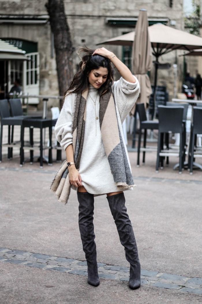 comment bien s'habiller en hiver 2019 femme, avec quelle couleur combiner le gris dans une tenue femme chic hiver