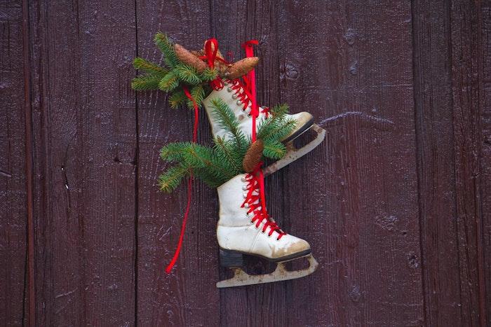 Déco de porte thème patinage, photo noel, image joyeux noël à envoyer à ses amis