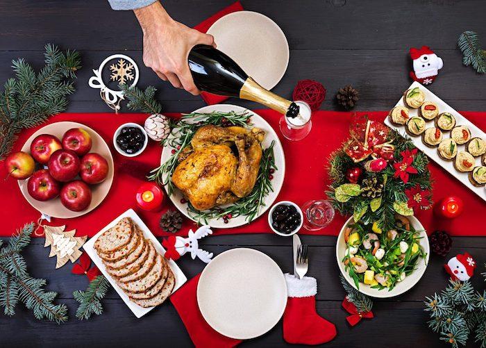 Centre de table noel, poulet roti et aperitif dinatoire noel, toast apéritif simplicité dans l'assiette belle déco