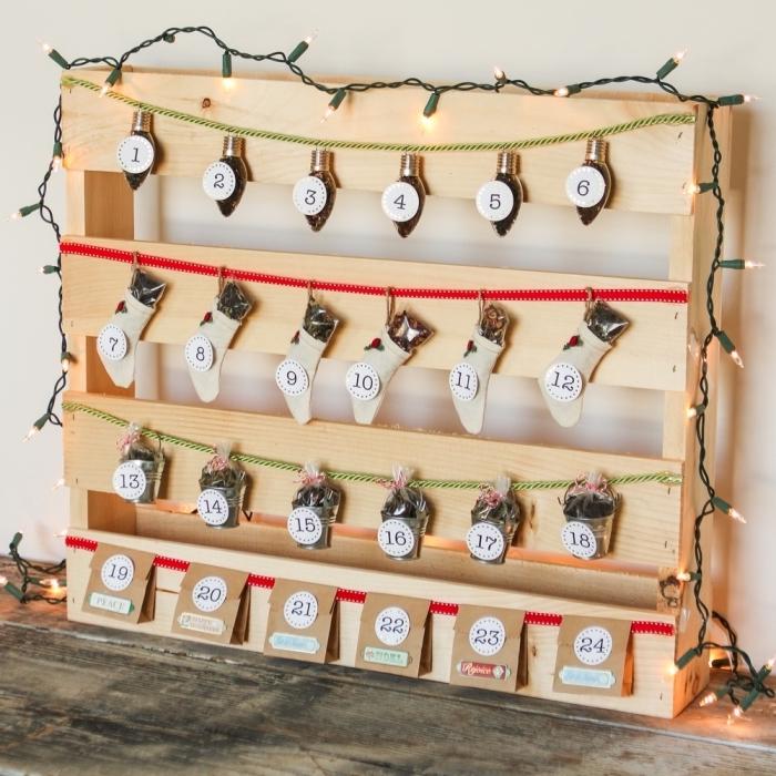 modèle de calendrier de l'avent à réaliser soi-même avec planches de bois, idée bricolage noel pour faire un cadeau original