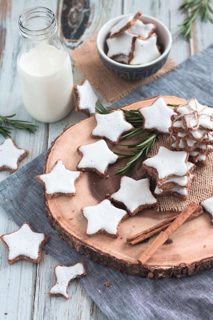 biscuit de noel cannelle avec oeuf vegan, sucre de coco et farine d amande, exemple etoile de noel recette sans sucre sans gluten pour noel