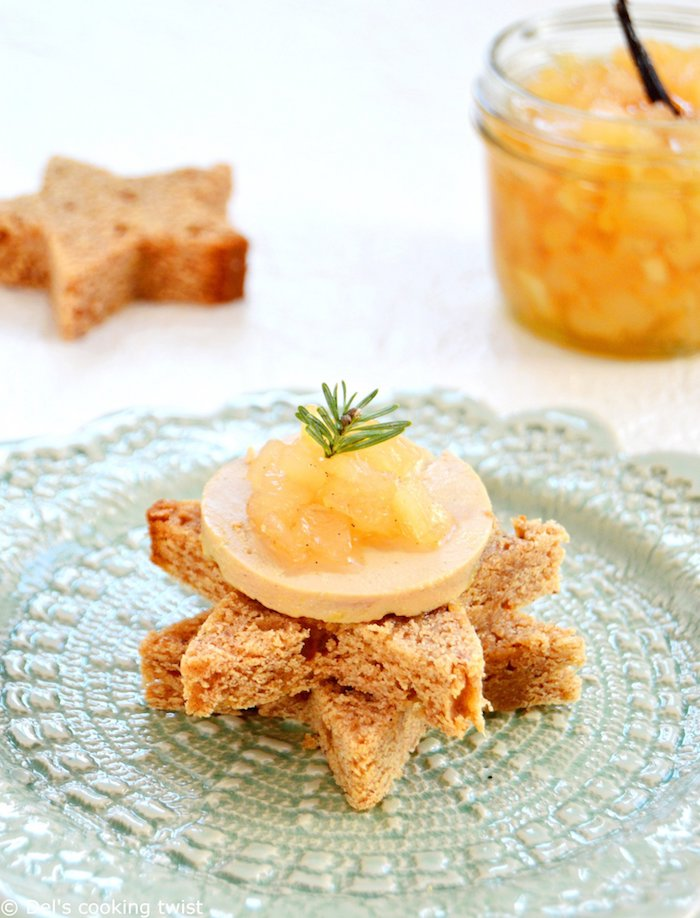Étoile de pain grillé avec pâte de foie gras recette toast de noël, idée festive que préparer pour les fêtes