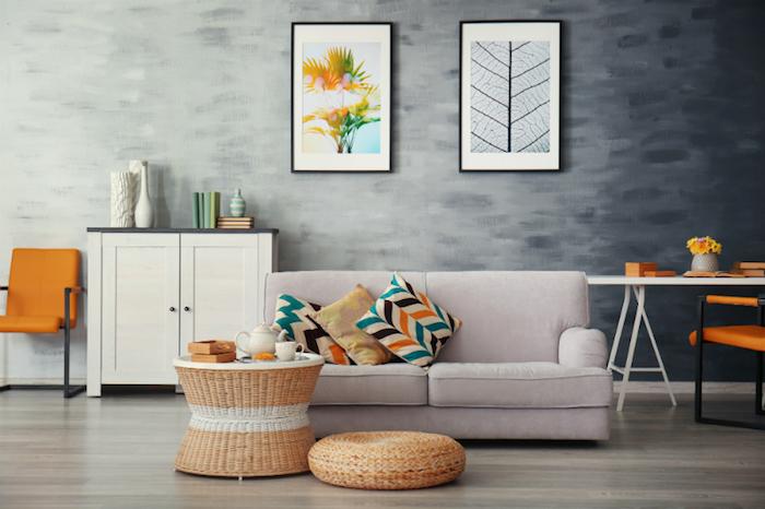Orange chaise et bureau blanc, peinture décoration murale, quelle couleur avec le gris, design chambre à coucher grise, table de salon rotin