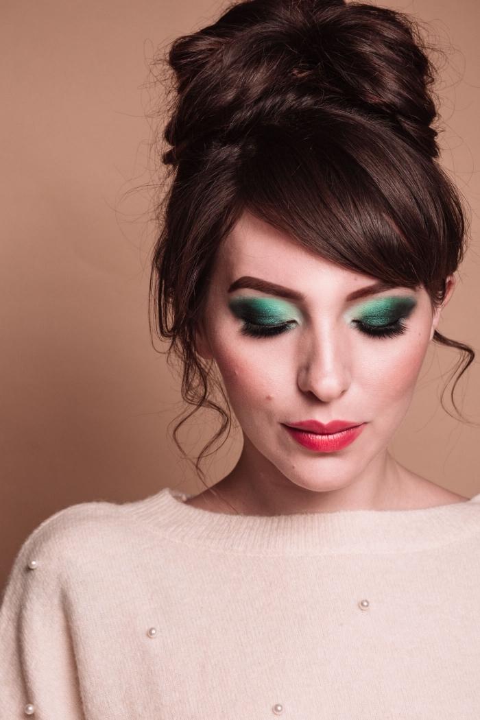 quelle couleur teinte pour yeux de Noël, idée de maquillage facile pour fête fin d'année avec ombres à paupières ombré en vert