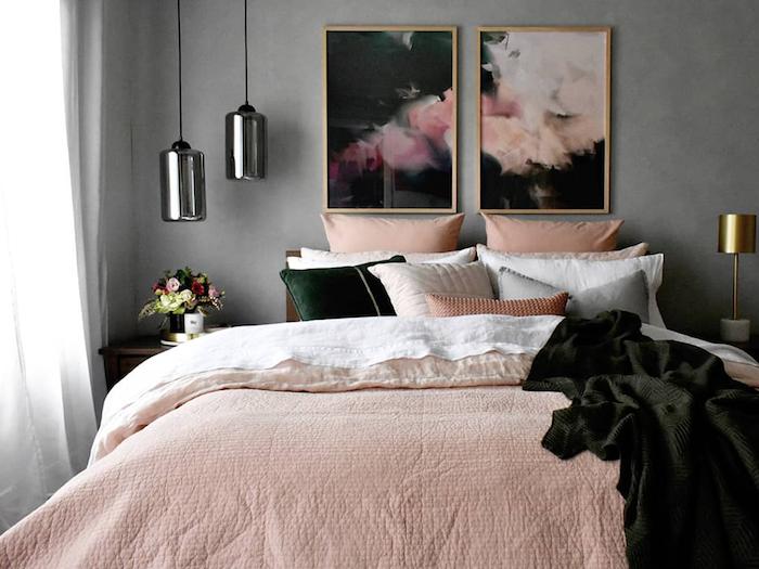 Peinture diptyque abstrait gris et rose, couverture rose claire, couleur taupe, classique association chambre gris et blanc