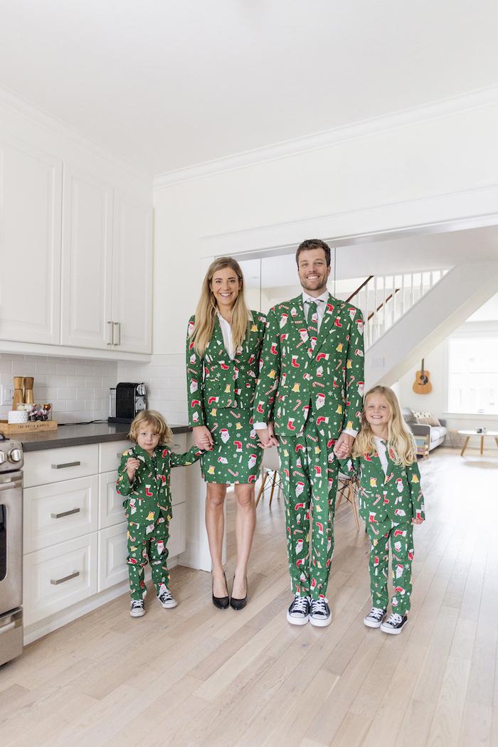 Tenues pour toute la famille, tailleurs motif pyjama de noël verte, comment vous habillez-vous pour la fête de Noël