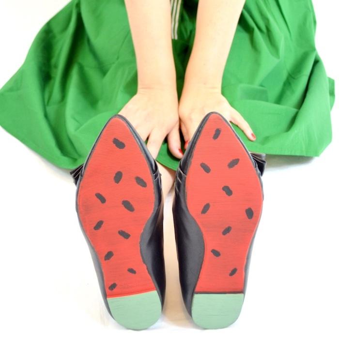 Chaussures personnalisées, semelle avec dessin de pastèque pour la tenue vert et rouge, trouver son propre style avec une basket personnalisable