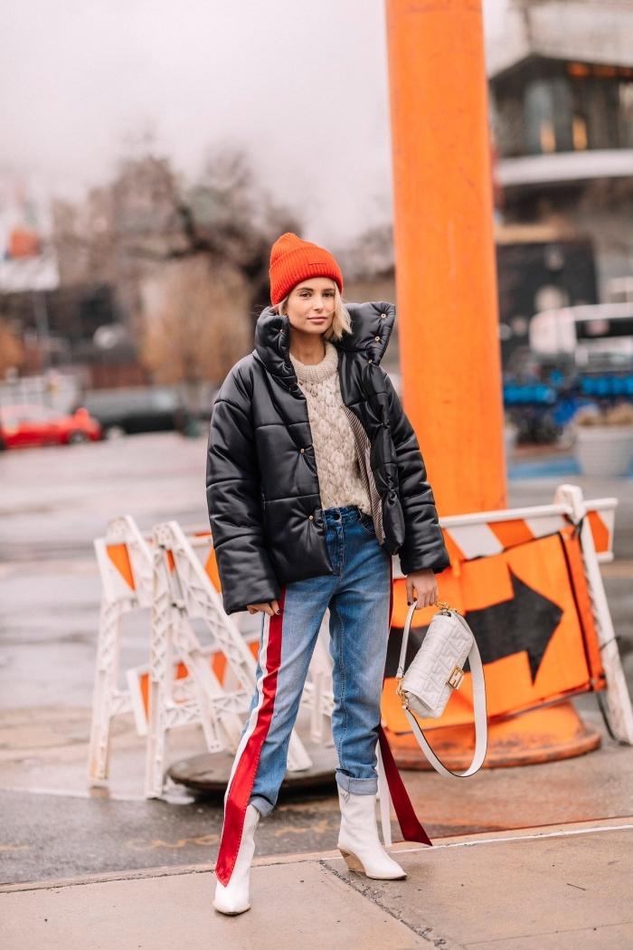 mode hiver 2019 tendances couleurs orange et rouge, outfit femme style casual en jeans et pull avec veste oversize