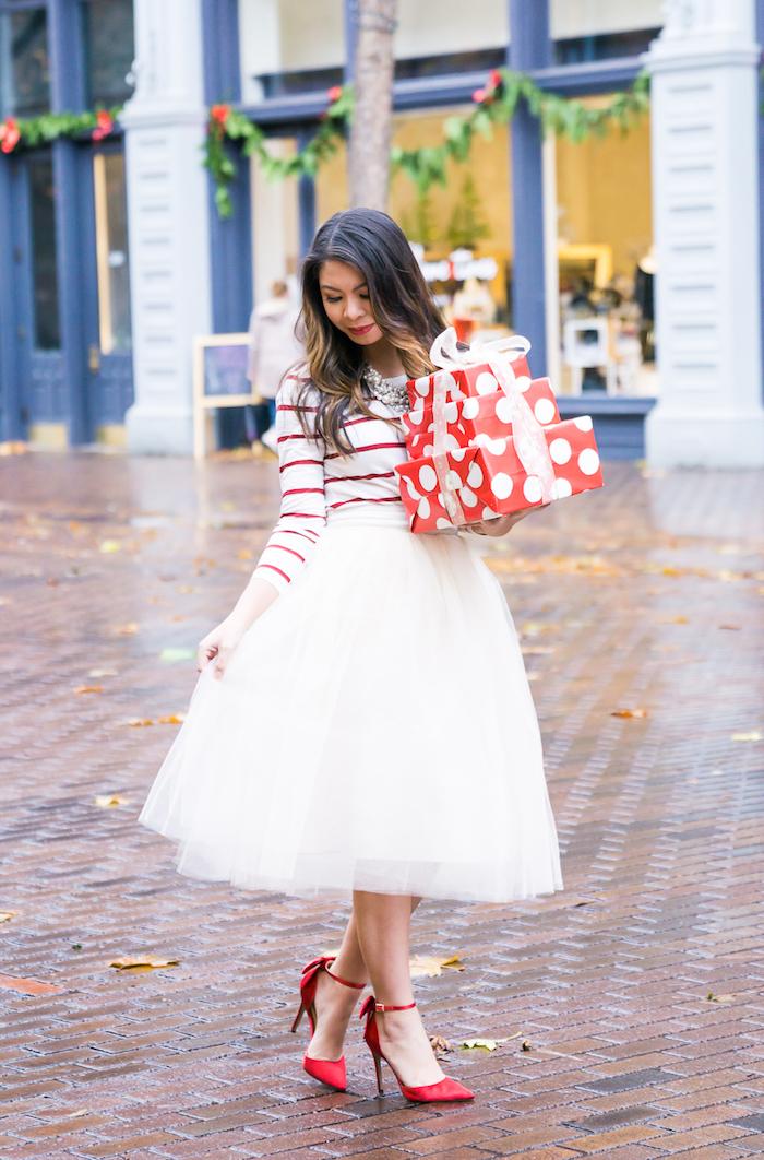 Blanche jupe mi-longue en tull et blouse à rayé blanc et rouge, robe de noel fille, robe de noël, soirée tenue hiver