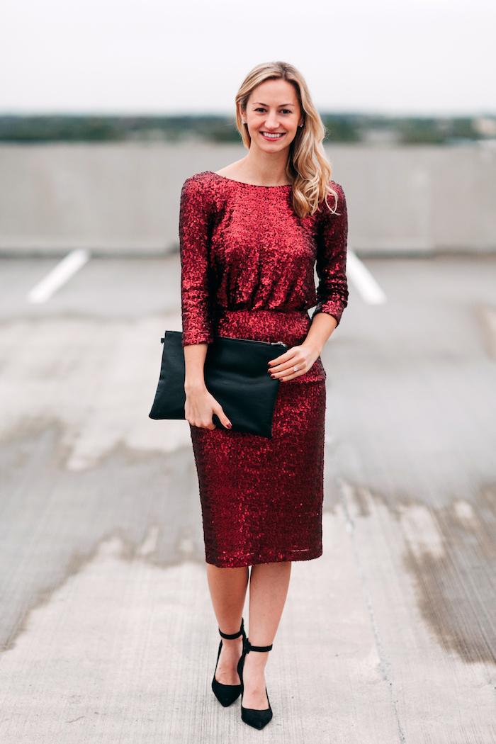 Robe de noel femme, adopter le style pour le reveillon de robe rouge en paillettes, tenues habillées noël