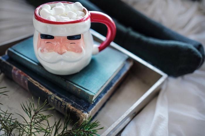 Chocolat chaud avec marshmallow image joyeux noel 2019, belle carte de voeux à envoyer