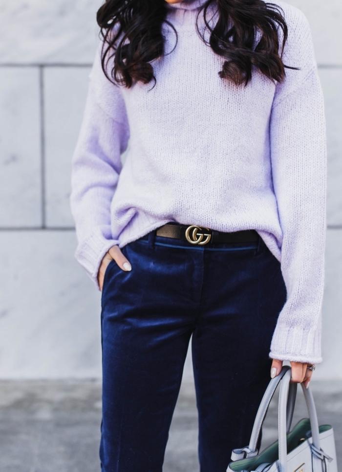 idée comment porter les pastel en hiver femme 2019, tenue femme stylée en gros pull femme et pantalon fluide