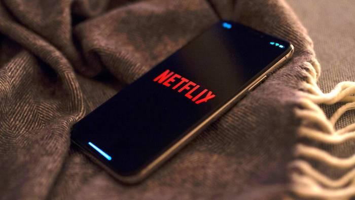 La décision de Netflix de tester l'accélération ou le ralentissement de ses programmes a suscité une vague de protestations chez certains acteurs et réalisateurs