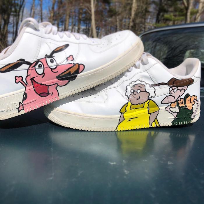 Le chien courage chaussure personnalisable, comment peindre des chaussures, basket blanche nike simple à personnaliser