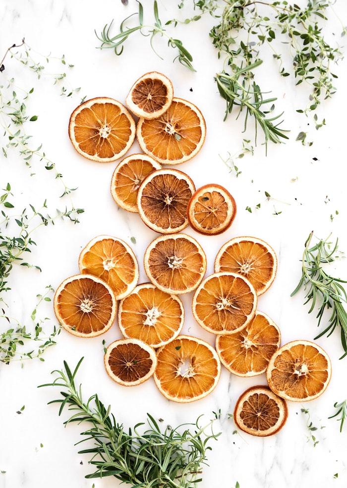 Oranges secs, image de joyeux noel, belle image de noel pour fond d ecran