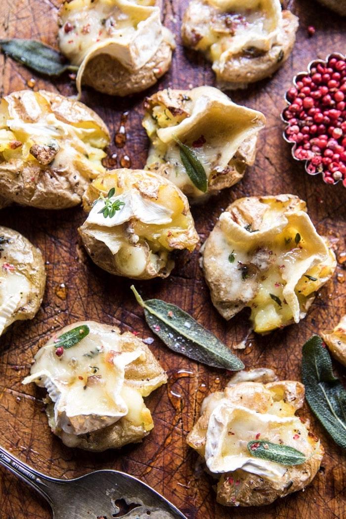 pommes de terre cuits au four avec du brie, recette entrée originale et facile a faire pour le menu de noel