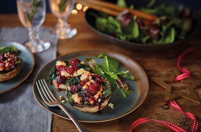champignons farcies recette avec des épinards, fromages et canneberges, apero noel chic