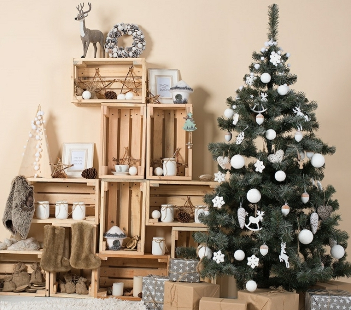 idée décoration de noel à fabriquer gratuit, diy rangement avec palettes recyclés sous forme d'un meuble salon rustique