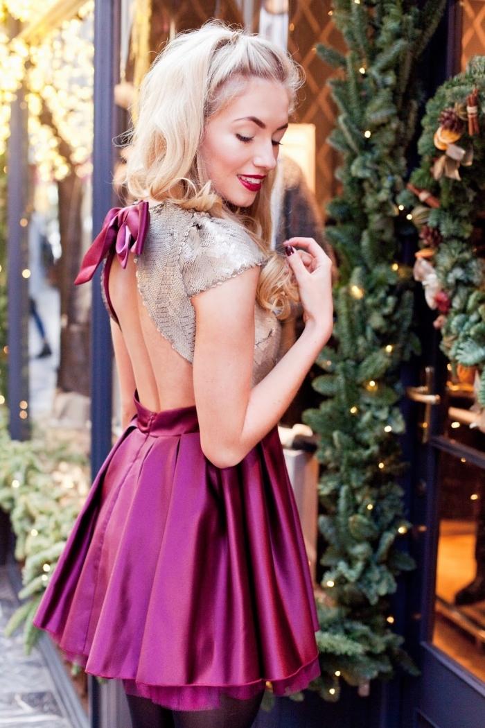 comment bien s'habiller pour un party de Noël en robe cocktail, tenue et maquillage de Noël en violet avec robe courte