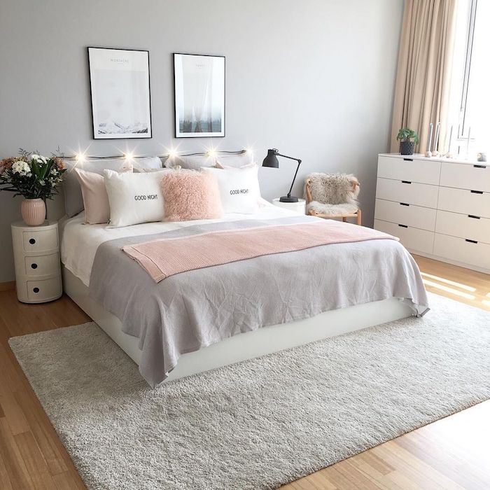 Rose claire et gris claire pour une chambre à coucher romantique, couleur vert de gris, belle chambre à coucher confortable