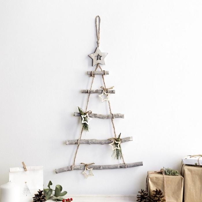 réaliser une suspension originale en forme de sapin pour Noël, DIY sapin en bois flotté avec 5 branches et étoile au sommet