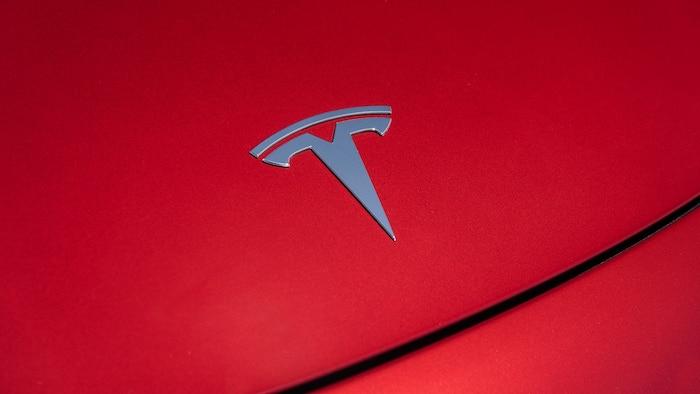 Elon Musk a annoncé sur Twitter que le pick-up Tesla Cybertruck sera dévoilé le 21 novembre à Los Angeles