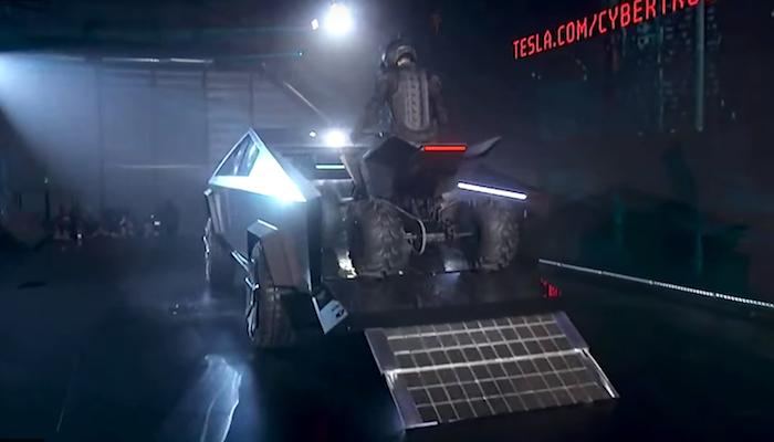 Elon Musk surprend encore avec un quad électrique conçu en secret et présenté parallèlement au Cybertruck