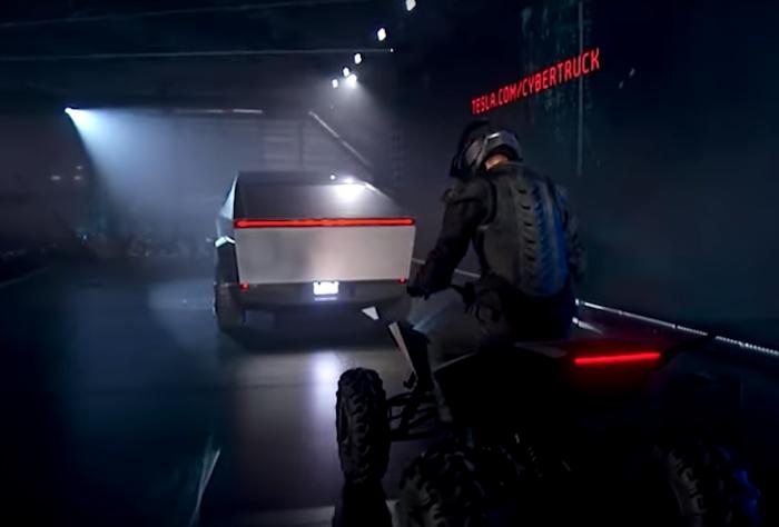 Tesla a dévoilé un quad surprise lors de l'événement de présentation du SUV Cybertruck