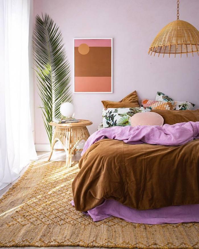 Grand branche d'arbre vert de palme, quelle couleur pour une chambre, la meilleure idée peinture chambre