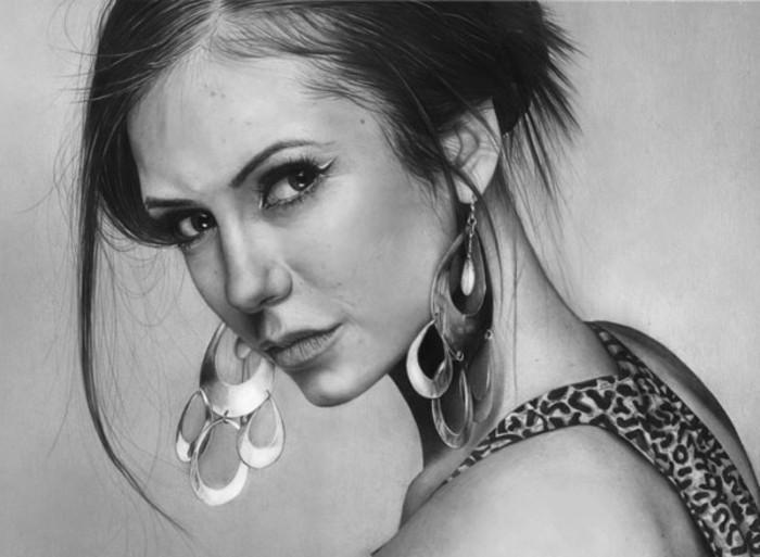 comment dessiner un visage féminin au crayon à l'aide de la technique ombrage, idée dessin blanc et noir femme