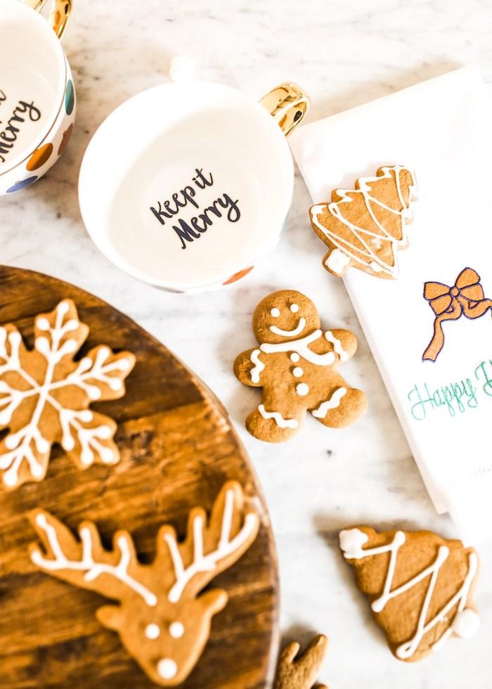 recette biscuit pain d epice avec gingembre et epices de npel en forme festives bonhomme pain d epice, flocon de neige et renne de pere noel